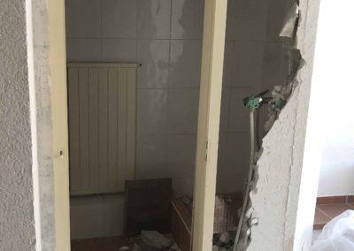 Team Rénovation - Rénovation complète salle de bain et toilettes_Carrelage et peinture - CM_01