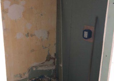 Team Rénovation - Rénovation complète salle de bain et toilettes_Carrelage et peinture - CM_04