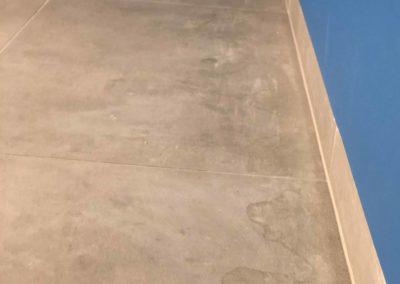 Team Rénovation - Rénovation complète salle de bain et toilettes_Carrelage et peinture - CM_06