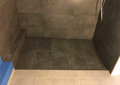 Team Rénovation - Rénovation complète salle de bain et toilettes_Carrelage et peinture - CM_07
