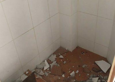 Team Rénovation - Rénovation complète salle de bain et toilettes_Carrelage et peinture - CM_02
